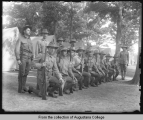 Illinois National Guard, men posed for picture